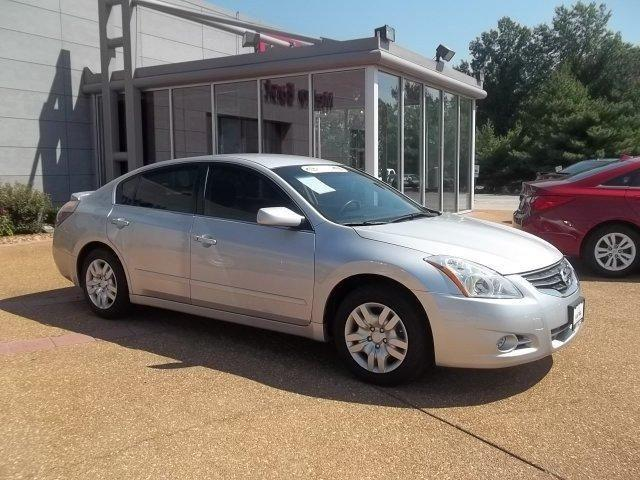 2012 nissan altima 2 5 s for sale in saint peters missouri classified. Black Bedroom Furniture Sets. Home Design Ideas