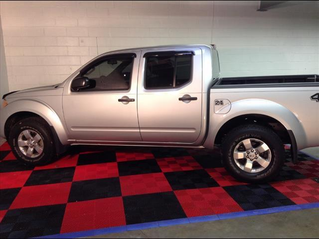 2012 NISSAN Frontier 4x4 PRO-4X 4dr Crew Cab SWB Pickup