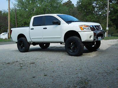 2012 nissan titan crew cab 4x4 lifted w pro comp 6 inch lift for sale in clinton missouri. Black Bedroom Furniture Sets. Home Design Ideas
