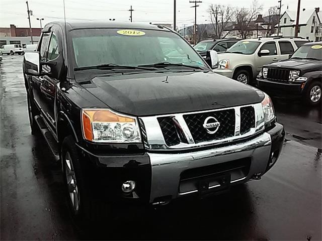2012 Nissan Titan SL 4x4 SL 4dr Crew Cab SWB Pickup