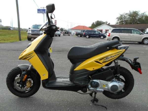 2012 piaggio typhoon 125 2012 piaggio typhoon motorcycle. Black Bedroom Furniture Sets. Home Design Ideas