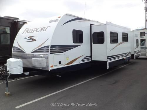 2012 shasta freeport 32ckts 2 bedroom travel trailer used for sale in barnsboro new jersey for Two bedroom travel trailers for sale