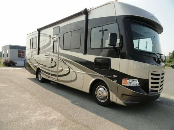 2012 Thor Motor Coach Ace Evo V10 Like New Full Body Paint