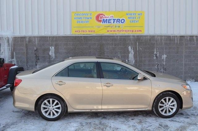 2012 toyota camry hybrid le 4dr sedan for sale in chicopee massachusetts classified. Black Bedroom Furniture Sets. Home Design Ideas