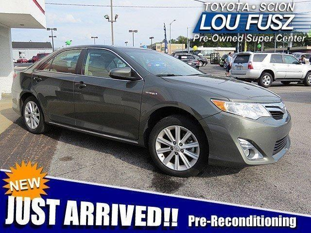 2012 Toyota Camry Hybrid XLE for Sale in Saint Louis