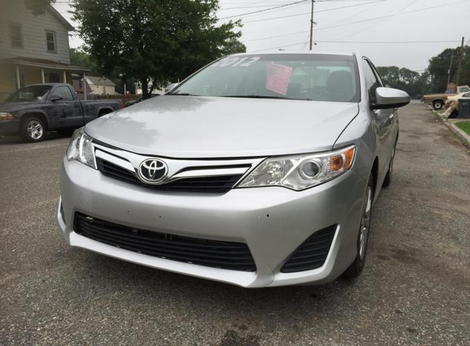 2012 toyota camry silver color 35k miles for sale in jamesburg new jersey classified. Black Bedroom Furniture Sets. Home Design Ideas