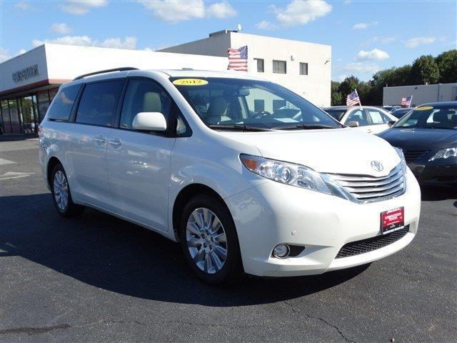 2012 toyota sienna awd limited 7 passenger 4dr mini van for sale in middle island new york. Black Bedroom Furniture Sets. Home Design Ideas