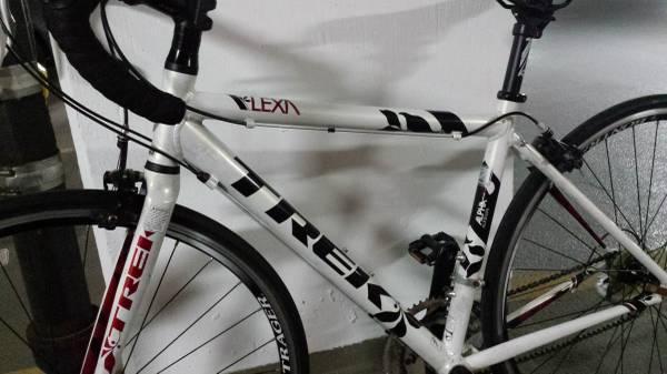 2012 TREK LEXA S- Women's Road Bike- 50cm - $550