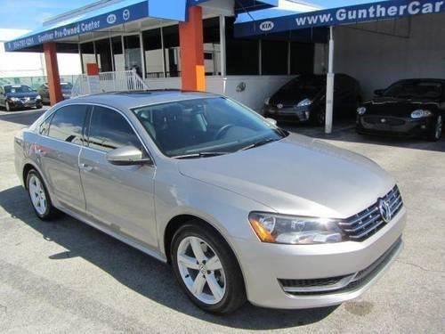 2012 VOLKSWAGEN Passat SEDAN 4 DOOR SE w/Sunroof