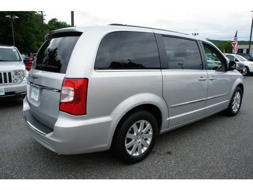 2012 chrysler town and country mini van touring for sale in beemerville new jersey classified. Black Bedroom Furniture Sets. Home Design Ideas