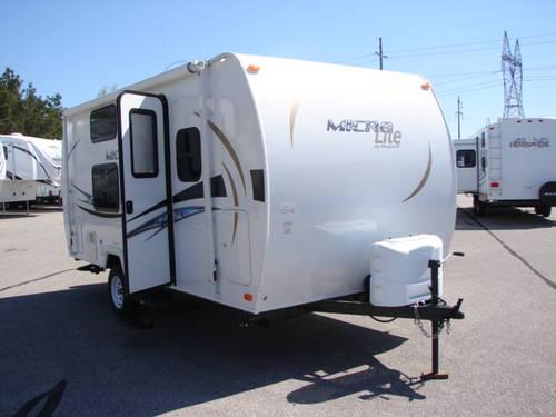 2013 19 Fd Micro Lite Flagstaff Bunk House Trailer Under 3 000 Lbs For Sale In Coopersville