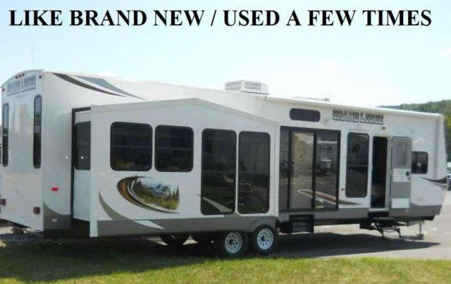 2013 40 Ft Grand Lodge Forest River Model Camper 3 Slide