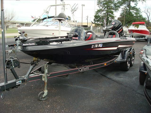 2013 Bass Cat Boats Performance Bass Boat Pantera IV