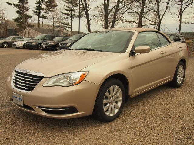 2013 chrysler 200 convertible convertible touring for sale in newington new hampshire. Black Bedroom Furniture Sets. Home Design Ideas