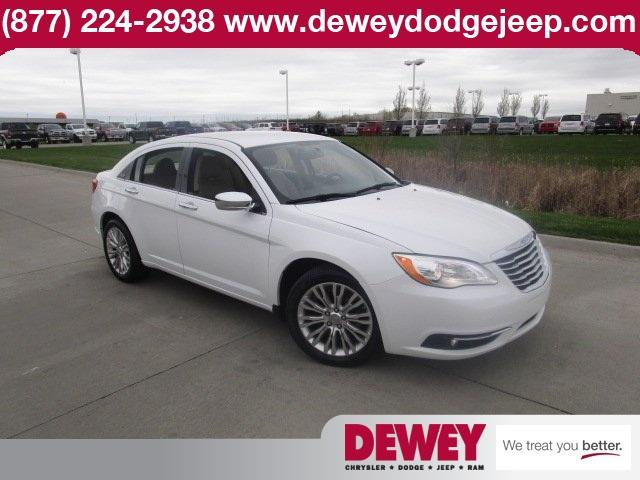 2013 chrysler 200 limited 4dr sedan for sale in ankeny. Black Bedroom Furniture Sets. Home Design Ideas