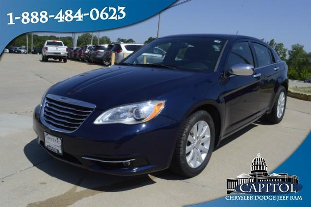 2013 chrysler 200 limited limited 4dr sedan for sale in jefferson city missouri classified. Black Bedroom Furniture Sets. Home Design Ideas