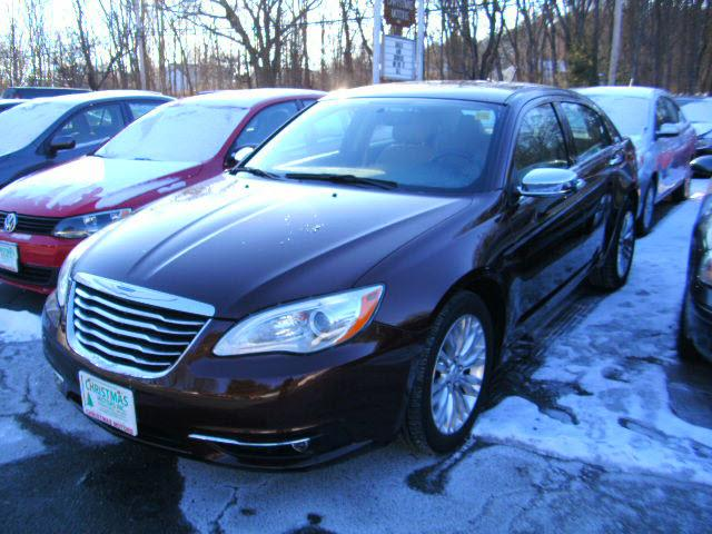 2013 chrysler 200 limited maynard ma for sale in maynard. Black Bedroom Furniture Sets. Home Design Ideas