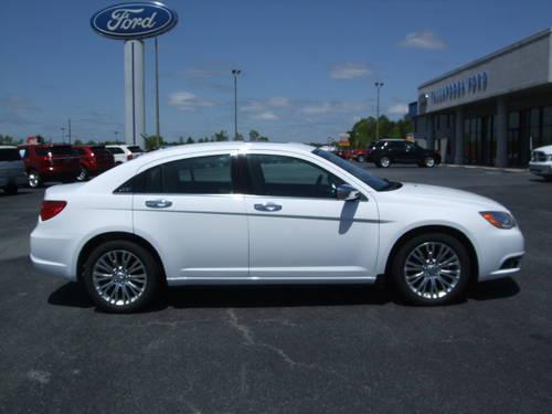 Chrysler Limited White Tan K Mi Americanlisted
