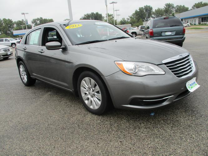 2013 chrysler 200 lx lx 4dr sedan for sale in dubuque iowa classified. Black Bedroom Furniture Sets. Home Design Ideas