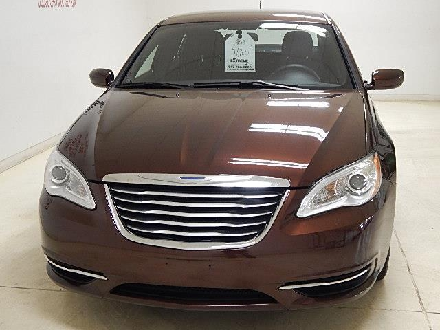 2013 chrysler 200 lx lx 4dr sedan for sale in jackson michigan classified. Black Bedroom Furniture Sets. Home Design Ideas