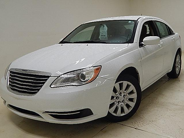 2013 chrysler 200 sedan lx for sale in darbydale ohio classified. Black Bedroom Furniture Sets. Home Design Ideas