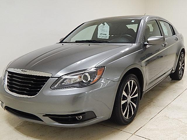 2013 chrysler 200 sedan touring company car for sale in darbydale ohio classified. Black Bedroom Furniture Sets. Home Design Ideas