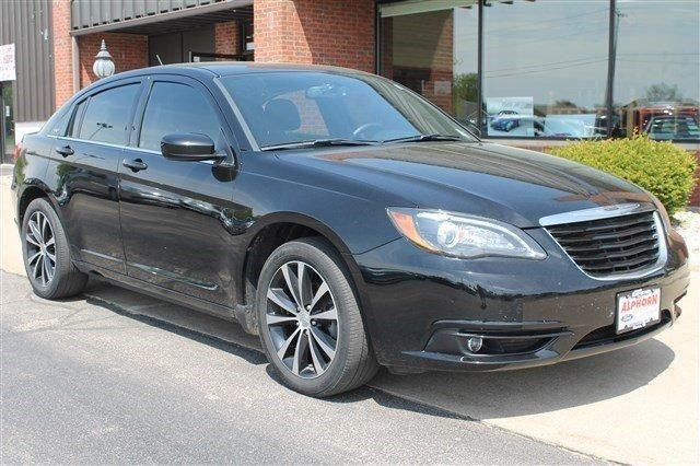 2013 chrysler 200 touring for sale in monroe wisconsin classified. Black Bedroom Furniture Sets. Home Design Ideas