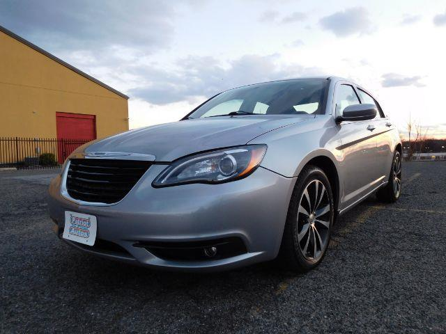 2013 chrysler 200 touring touring 4dr sedan for sale in baltimore maryland classified. Black Bedroom Furniture Sets. Home Design Ideas