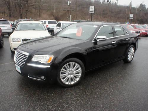 2013 chrysler 300 4 dr sedan awd c for sale in beemerville new jersey classified. Black Bedroom Furniture Sets. Home Design Ideas