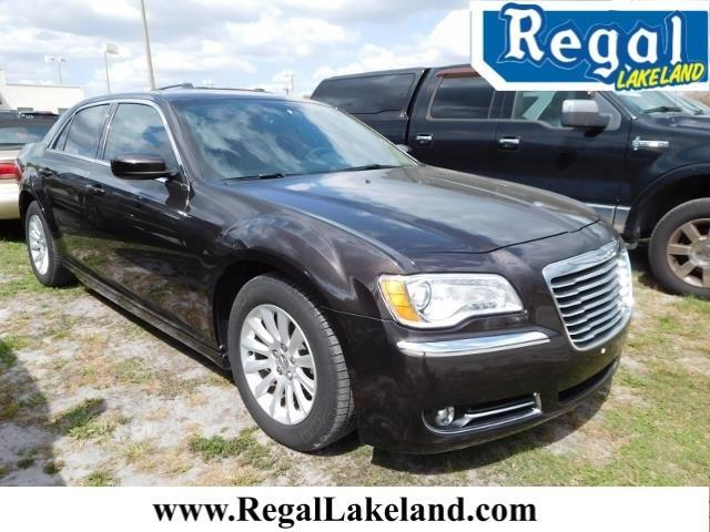 2013 Chrysler 300 Base Base 4dr Sedan
