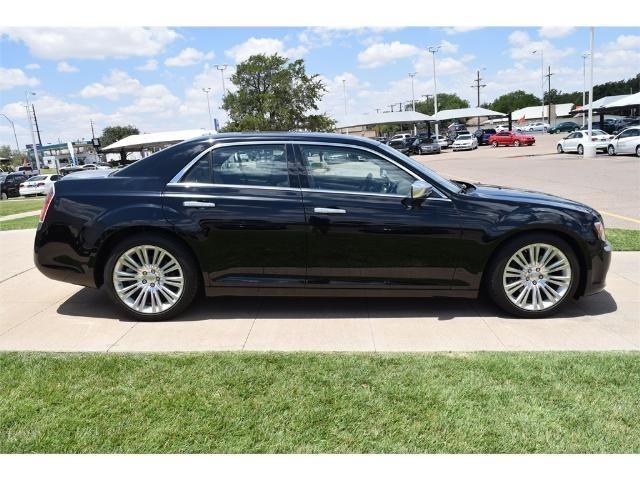 2013 chrysler 300 c luxury series c luxury series 4dr sedan for sale in lubbock texas. Black Bedroom Furniture Sets. Home Design Ideas