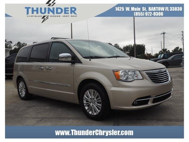 2013 Chrysler Town and Country Limited Limited 4dr