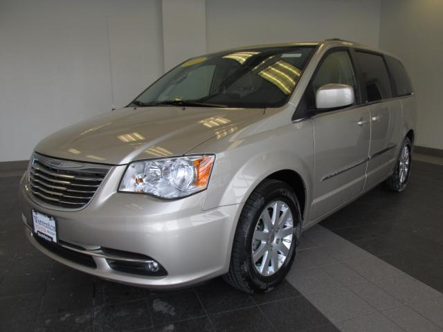 2013 chrysler town and country touring 4dr mini van for sale in warrenton virginia classified. Black Bedroom Furniture Sets. Home Design Ideas