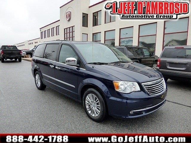 2013 Chrysler Town and Country Touring-L Touring-L 4dr