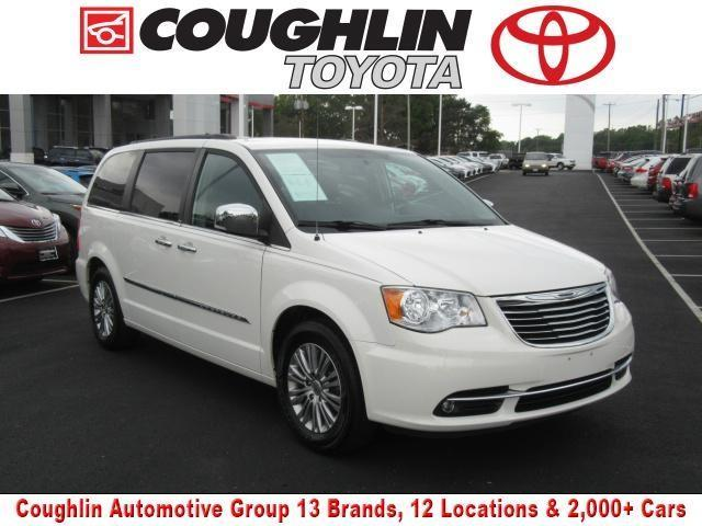 2013 chrysler town and country touring l touring l 4dr mini van for sale in newark ohio. Black Bedroom Furniture Sets. Home Design Ideas