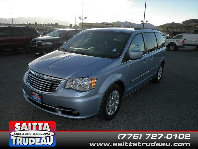 2013 Chrysler Town and Country Touring Touring 4dr