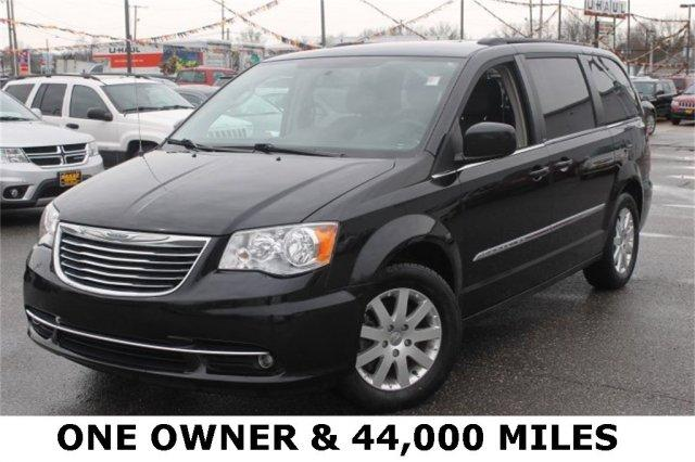 2013 chrysler town country touring ravenna oh for sale in black horse ohio classified. Black Bedroom Furniture Sets. Home Design Ideas