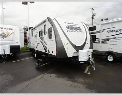2013 Coachmen Freedom Express 270flds Travel Trailer For