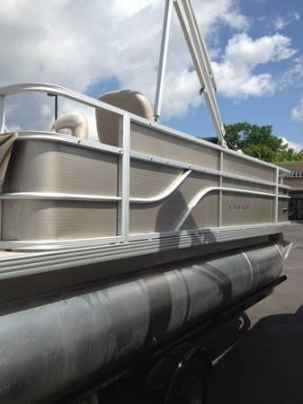 2013 crest 190 influx fishing pontoon for sale in johnson city tennessee classified. Black Bedroom Furniture Sets. Home Design Ideas