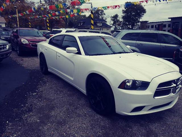 2013 Dodge Charger SE SE 4dr Sedan