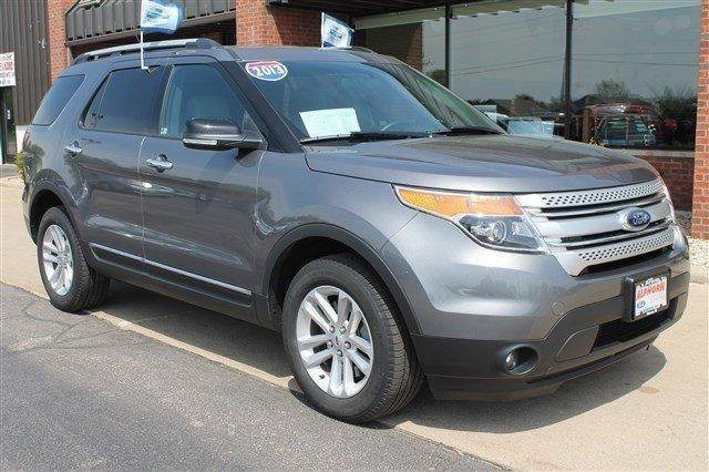 2013 ford explorer xlt 4wd for sale in monroe wisconsin classified. Black Bedroom Furniture Sets. Home Design Ideas