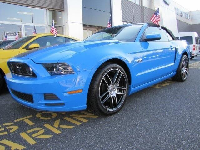 2013 ford mustang 2d convertible gt premium for sale in hempstead new york classified. Black Bedroom Furniture Sets. Home Design Ideas