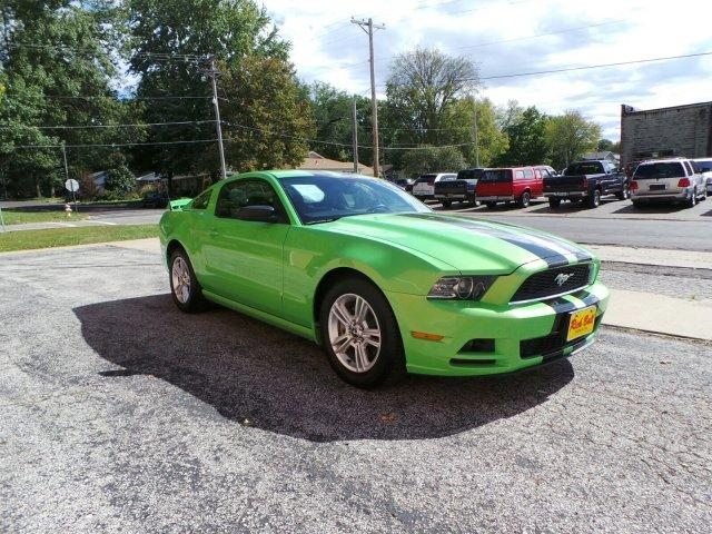 2013 ford mustang v6 sedalia mo for sale in dresden missouri classified. Black Bedroom Furniture Sets. Home Design Ideas