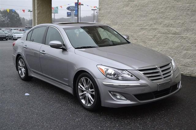 2013 hyundai genesis 3 8l 4dr sedan for sale in valdese north carolina classified. Black Bedroom Furniture Sets. Home Design Ideas