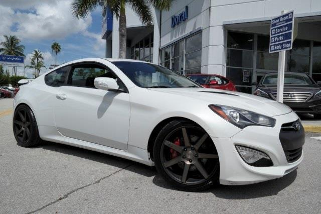 2013 hyundai genesis coupe 3 8 grand touring 3 8 grand touring 2dr coupe for sale in miami. Black Bedroom Furniture Sets. Home Design Ideas