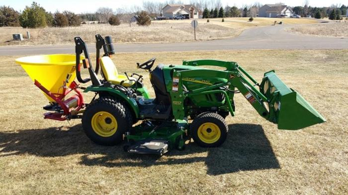 2013 John Deere 2320 Compact Tractor For Sale In San