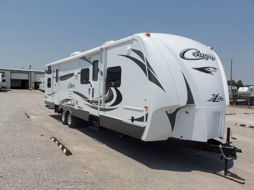 2013 Keystone Cougar 31sqb - 31 U0026 39  Travel Trailer