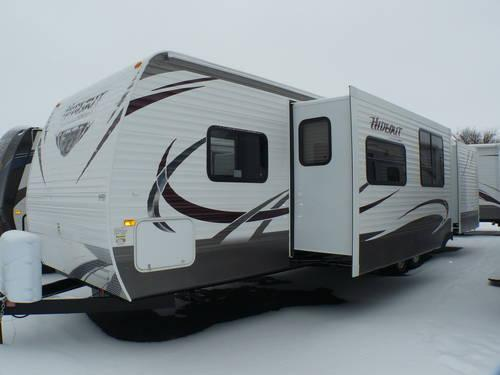 2013 keystone hideout 38fqds travel trailer 2 slides 2 bedroom for sale in clyde ohio for Two bedroom travel trailers for sale