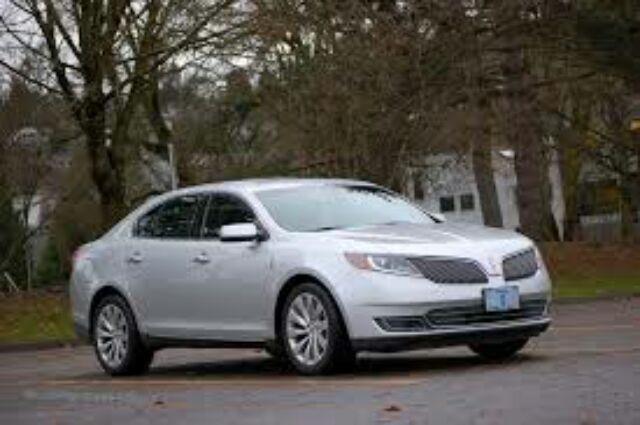 2013 Lincoln MKS Base 4dr Sedan