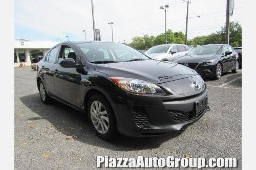 2013 Mazda Mazda3 i Touring i Touring 4dr Sedan 6M